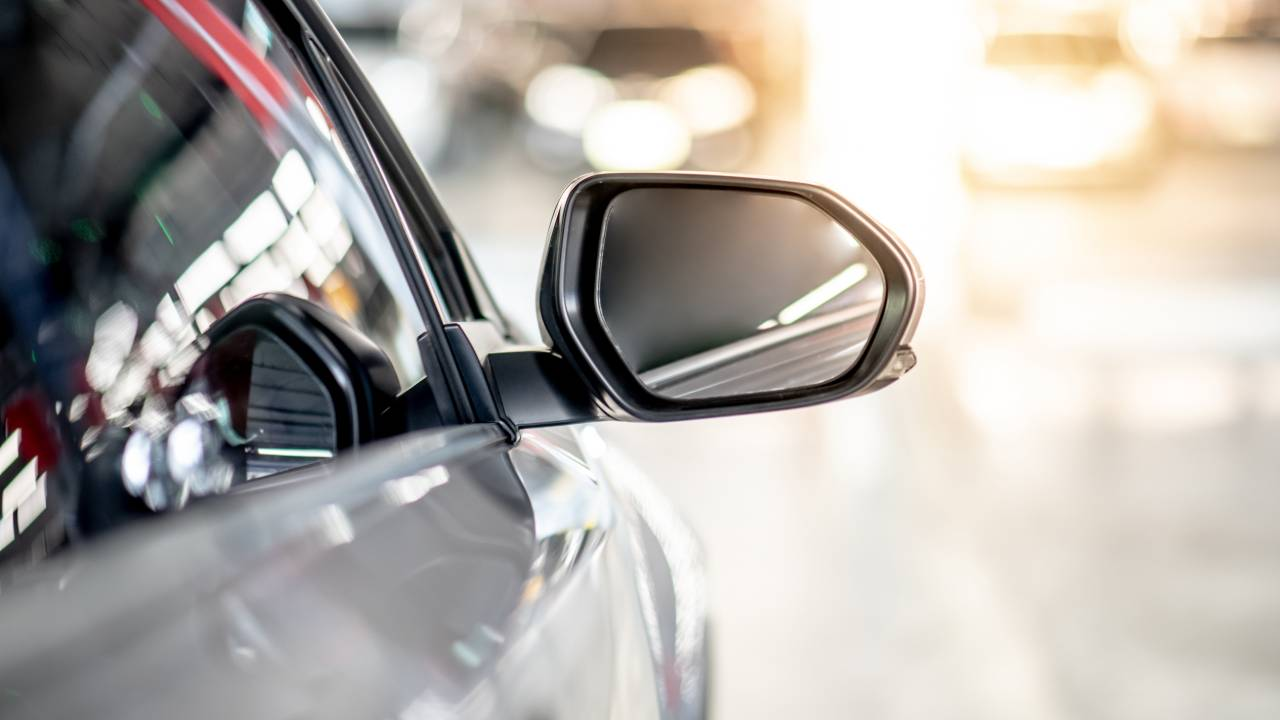 Vehicle Mirror Damage Prevention Tips